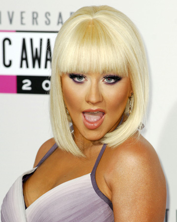 Christina Aguilera gets blunt at the AMAs