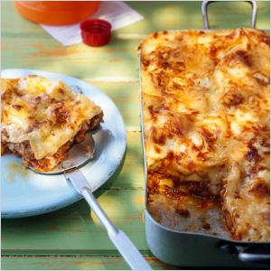Pasta and lasagna servers