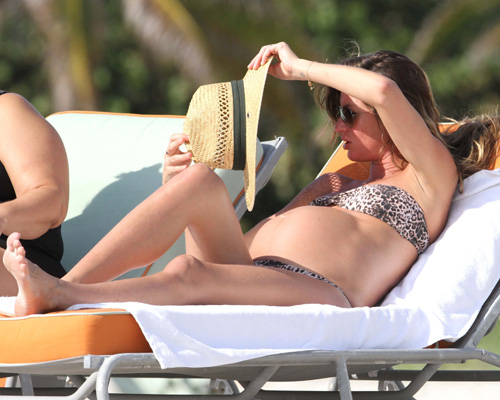 Pregnant Gisele Bundchen in a bikini