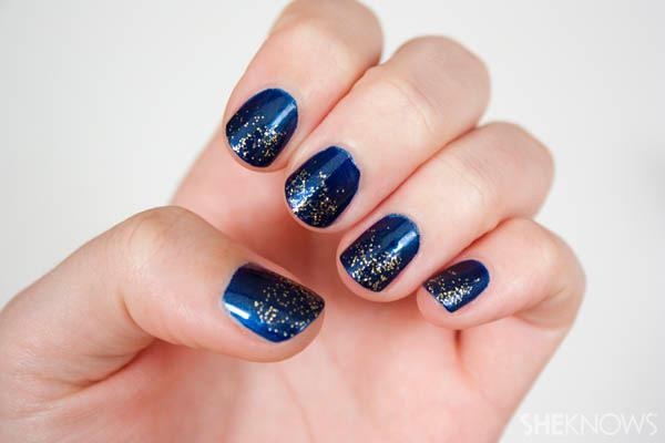 Gradient nail glitter