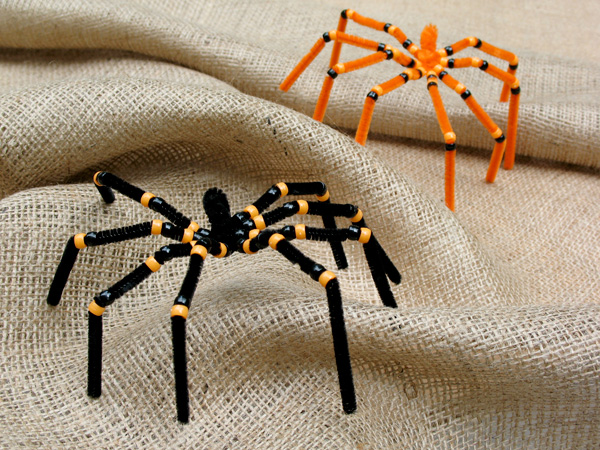 Halloween Pipe Cleaner Spider Craft
