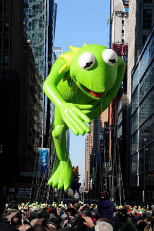 Kermit balloon at Thanksgiving Day parade