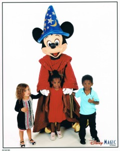 Ellis kids with Mickey