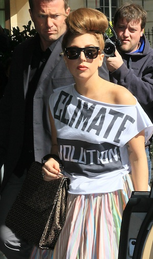 Lady Gaga helps with Hurricane Sandy relief