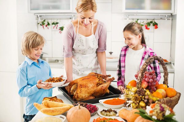 How Kids Can Help With Thanksgiving Dinner