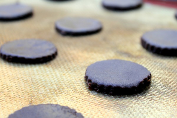thin chocolate mint cookies