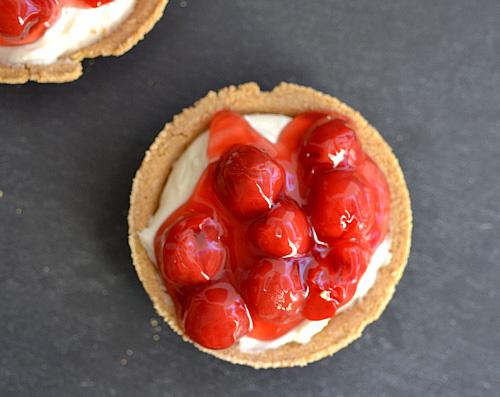 No-bake mini cherry cheesecakes