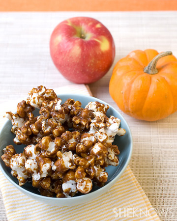 Pumpkin apple caramel corn