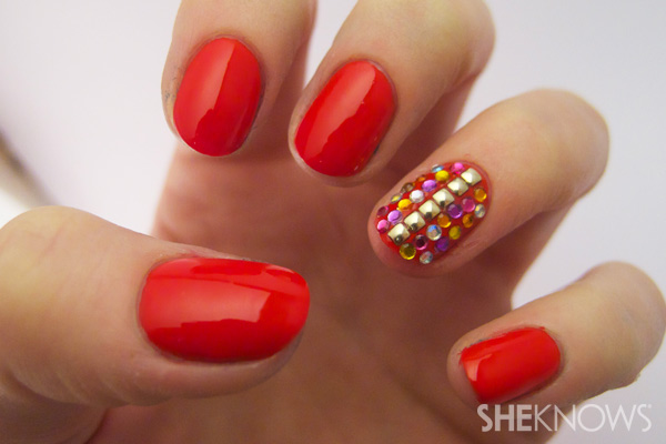 red accent nail art tutorial