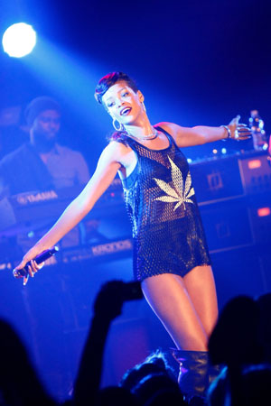 Rihanna wears a marijuana shirt in Berlin