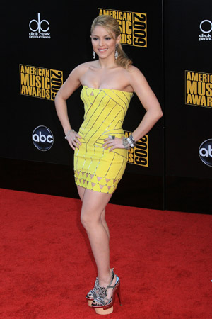 Shakira at the 2009 American Music Awards