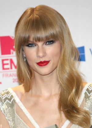 Swift's exes worry she'll write about them