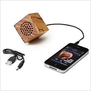 Mini wooden speaker