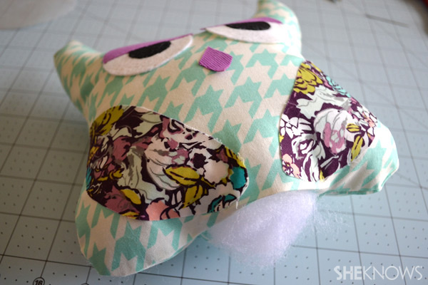DIY Owl Pillow: Stuff batting