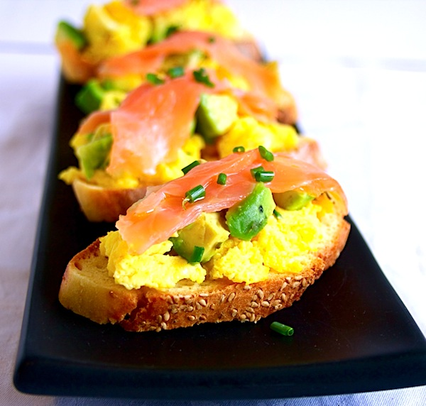 Avocado salmon egg crostini