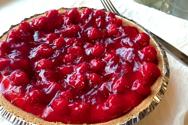 cream cheese pie with spiced cherries