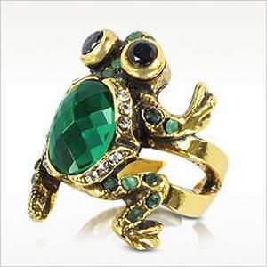 green frog ring