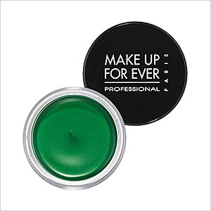 Green eye shadow cream