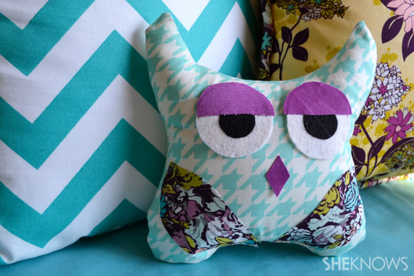 How to make a DIY owl pillow