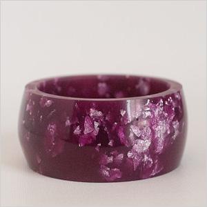 Round purple bangle made of resin