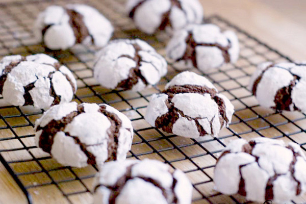 Chocolate snowball crinkle cookies recipe