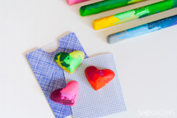 Cool craft turn old crayons into fun colorful shapes for Awesome crafts for kids