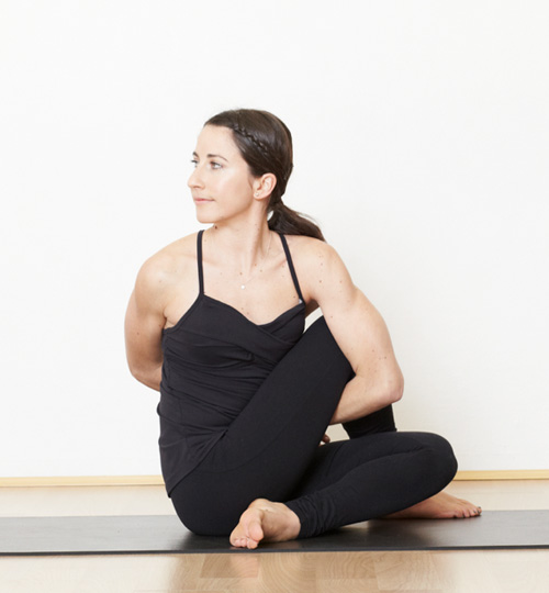 Detox with these clever yoga poses for Floor yoga poses