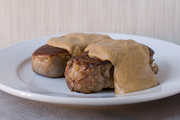 Filet mignon with creamy chestnut sauce