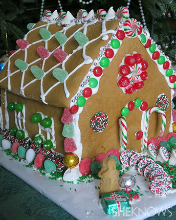 Simple Homemade Gingerbread House