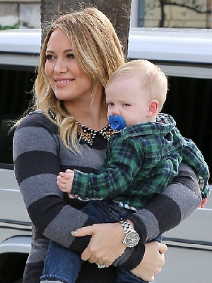 Hilary Duff with Luca, preparing for Christmas