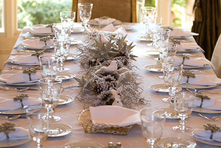 Pretty and inexpensive Christmas centrepieces #0: holiday table centerpiece branches
