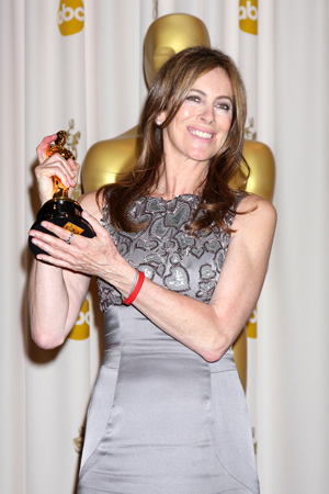 Kathryn Bigelow accepts Oscar