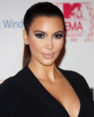 Kim Kardashian wearing highlighter makeup