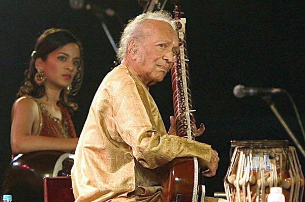 Sitar legend Ravi Shankar dies at age 92