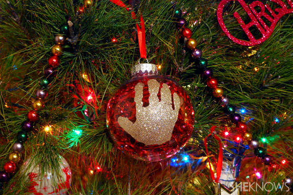 Glittered keepsake ornament