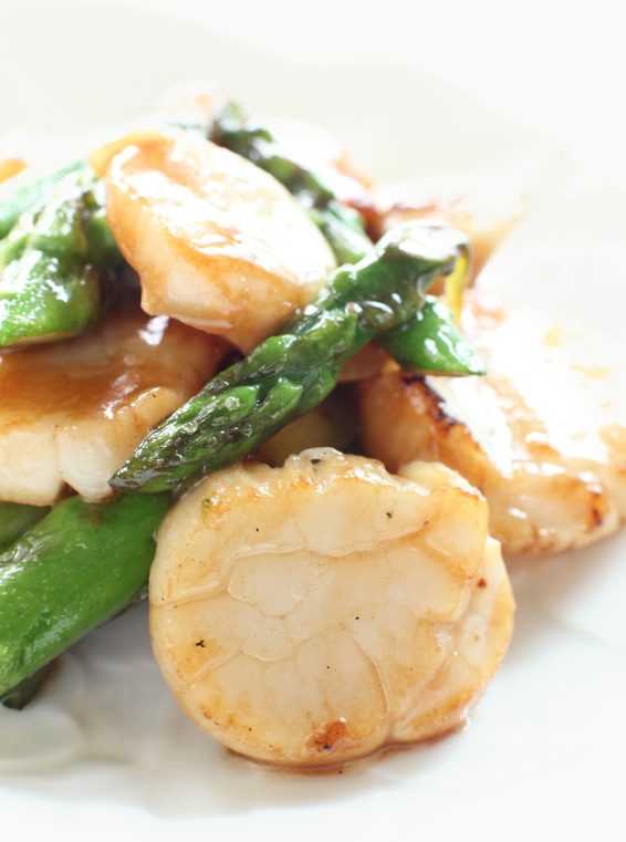 Scallop and Asparagus Sauté with Lemon and Thyme