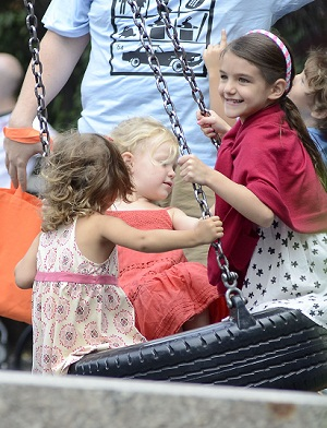 Suri Cruise with friends