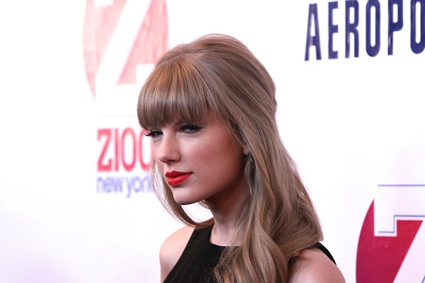 Taylor Swift on the Jingle Ball red carpet