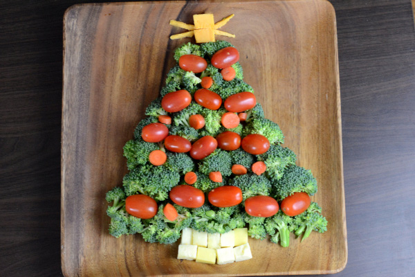 Vegetable and cheese Christmas tree platter