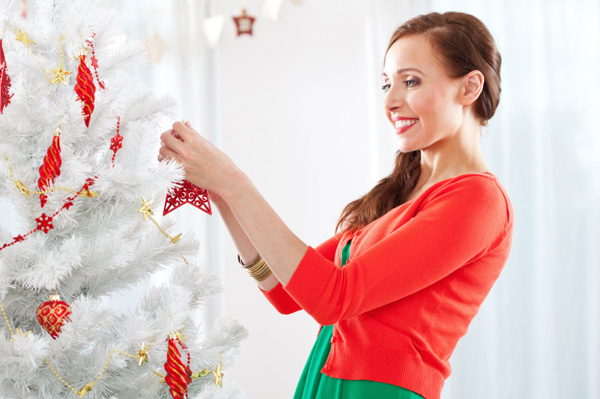 How to decorate your house for the holidays on a budget How to accessorise your home