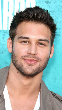 Ryan Guzman at the MTV Movie Awards