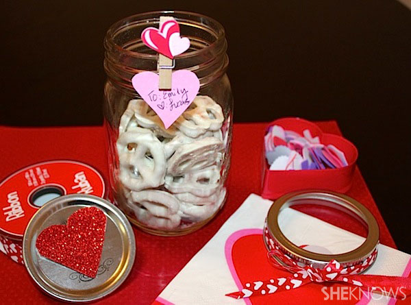 White chocolate pretzel jars
