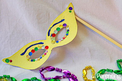 4 mardi gras crafts for kids for Mardi gras masks crafts
