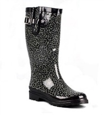 Charming charlie rain boot