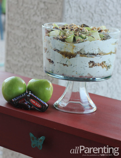 Snickers Apple Trifle vertical