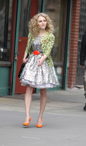 AnnaSophia Robb as Carrie Bradshaw