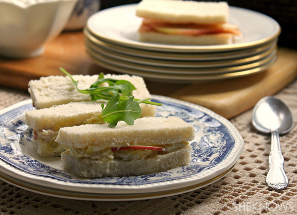 Apple chicken salad finger sandwiches recipe