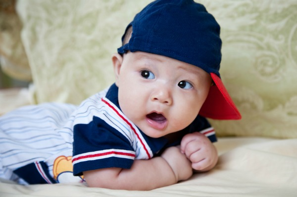 Melondipity offers attractively designed Baby Baseball Hat for Baby and Toddler Boys at the most competitive prices. This baby baseball hat features hand-knitted baseball on .
