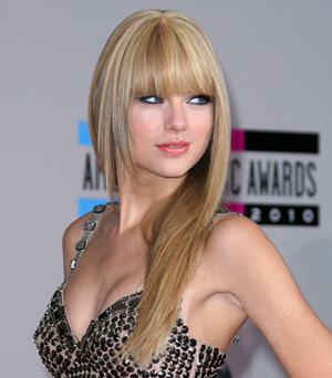 Taylor Swift's straight hair