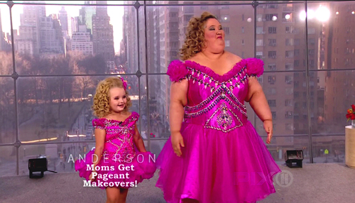 Honey Boo Boo and Mama June in costume